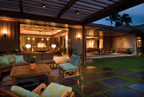 Modern Perch tropical patio