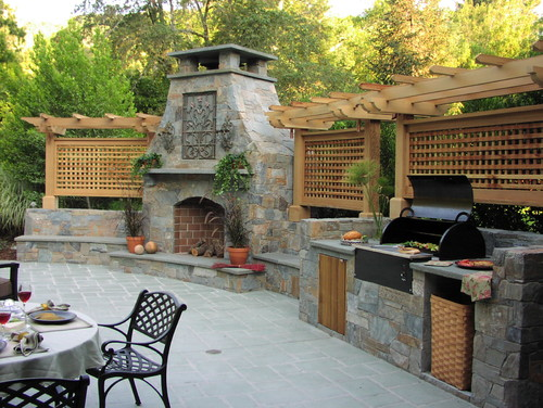 Derviss Design traditional patio