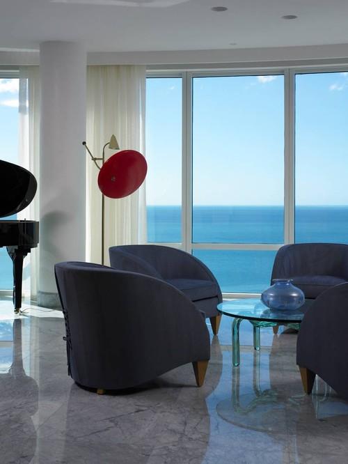 Apartment Naples Florida modern living room