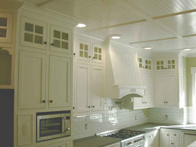 Cape Cod White Kitchen