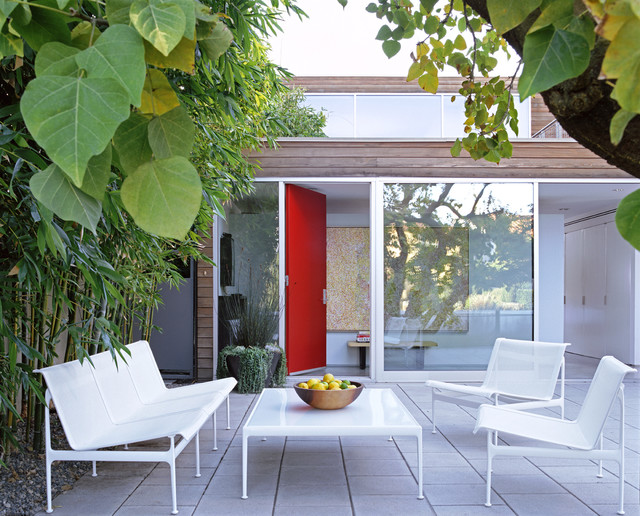 modern patio by Paul Davis Architects PC
