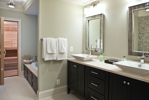 Beautiful Bathroom. What Color Are The Walls? Are The