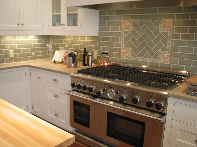 Fireclay Backsplash Traditional-kitchen