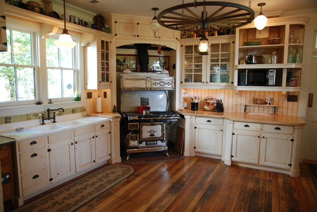 Period Cabinetry Historical Farmhouse Farmhouse