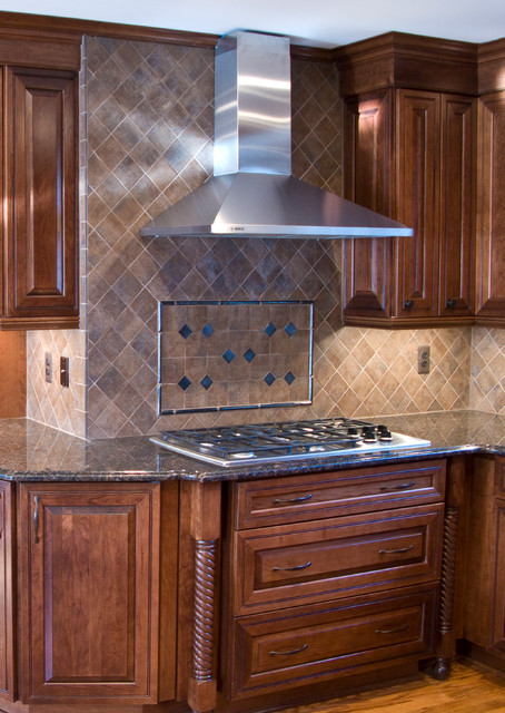 Kitchen Stove Top Hood Under Storage Traditional