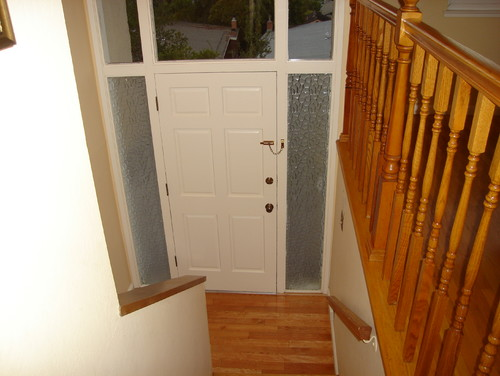 How Should I Decorate My Tiny Entry Way In My Split Entry