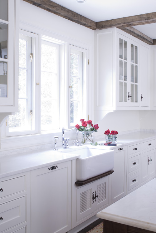 Acadia White kitchen cabinets