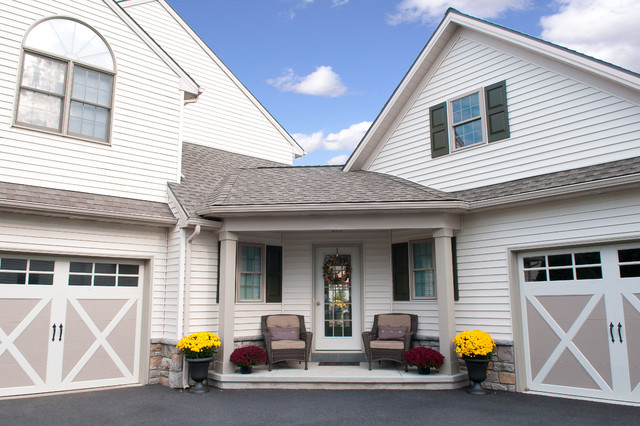 traditional porch by Metzler Home Builders