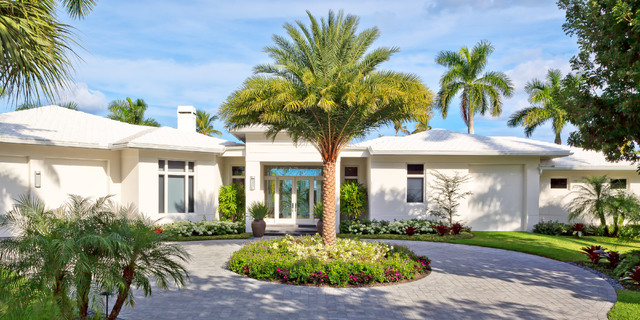 Naples Florida Modern Private Residence Tropical