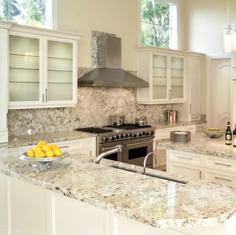 Kitchen Design :: Latinum Granite Traditional Kitchen