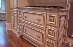 Inspiration Glazed Kitchen Cabinets That Everyone Will Love