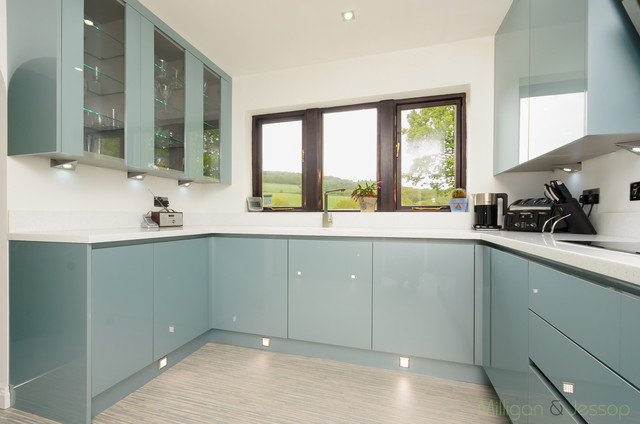 Handleless Metallic Blue Contemporary Kitchen