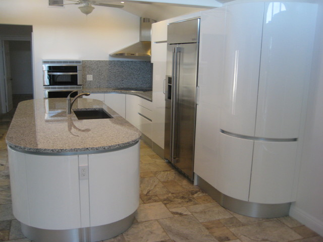 PEDINI ROUND KITCHEN ISLAND IN TEMECULA Modern Kitchen