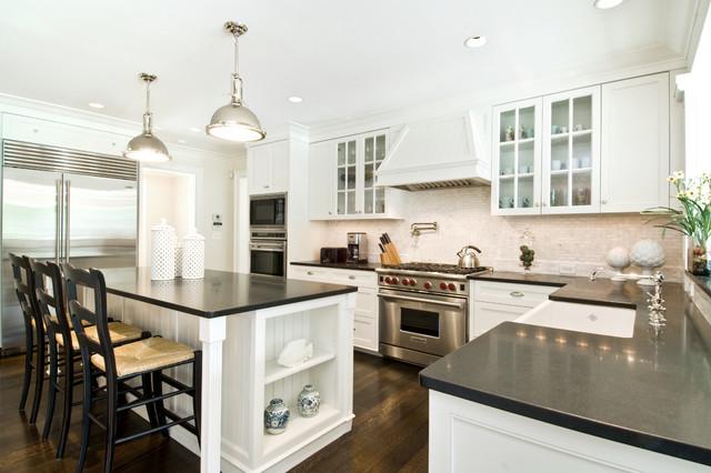 Hamptons Style Kitchen Beach Style Kitchen New York