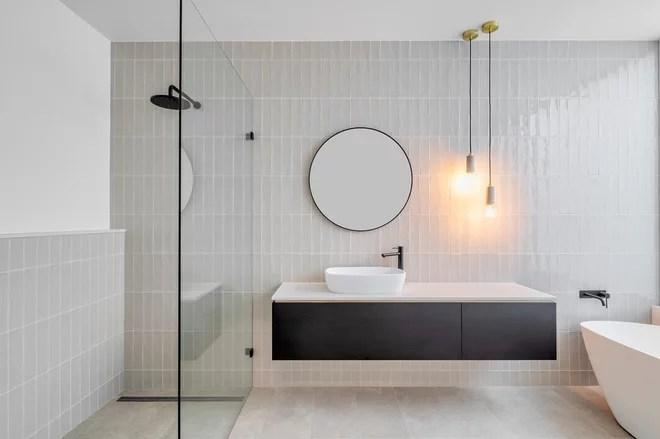 Contemporary Bathroom by Mosmo Living
