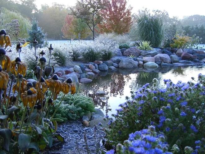 Traditional Landscape by Cottage Gardener, LTD