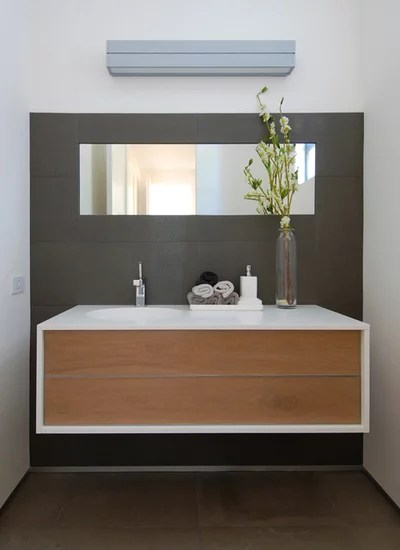 Modern Bathroom by Maydan Architects, Inc.