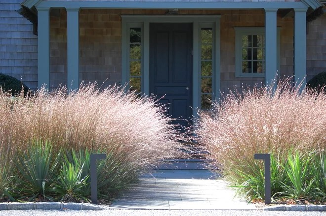 Contemporaneo Giardino by Davis Landscape Design LLC