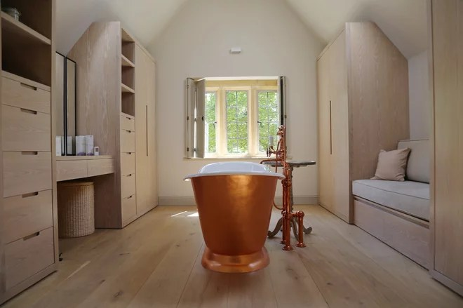 Contemporary Bathroom by Richard Parr + Associates