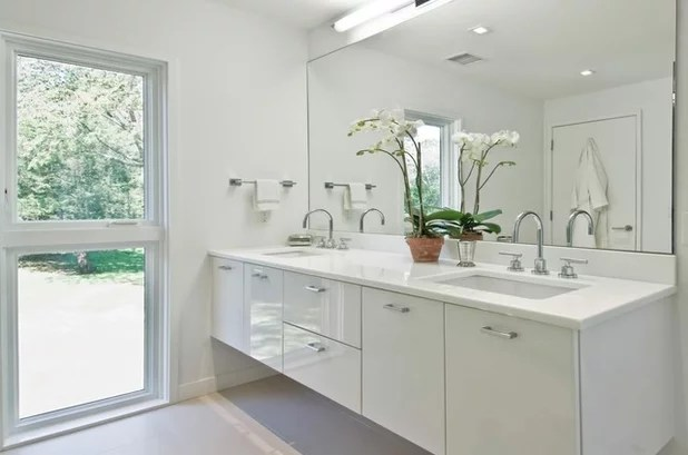 13 all-white bathrooms with clean and classic style