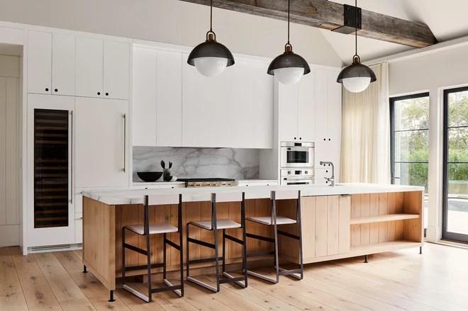Beach Style Kitchen by Kevin O'Sullivan + Associates