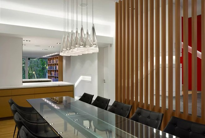 Modern Dining Room by Kohn Shnier architects