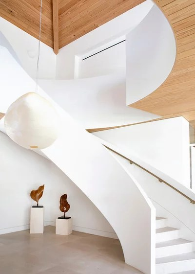 Contemporary Staircase by Voce Di ID