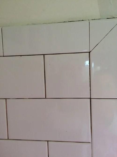 bullnose corners subway tile