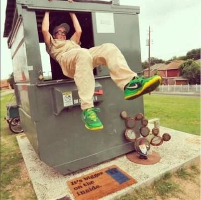 """""""Профессор из мусорного ящика"""" о правилах минималистичной жизни"""