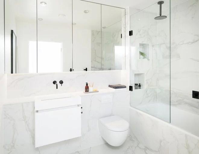 Contemporary Bathroom by Amberth