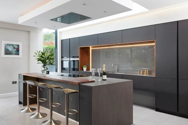 Modern Kitchen by Interior360