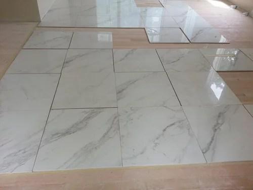 should marble looking tile veins lean