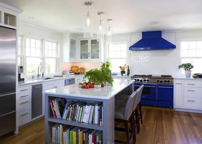 Beach Style Kitchen by SV Design
