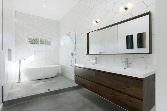 Contemporary Bathroom by Hamilton Architects