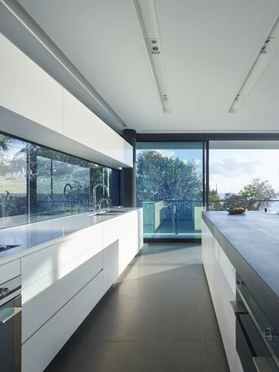 Contemporary Kitchen by BDA Architecture