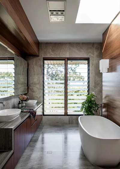 Modern Bathroom by Shaun Lockyer Architects