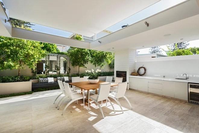 Contemporaneo Patio by Liz Prater Design Home