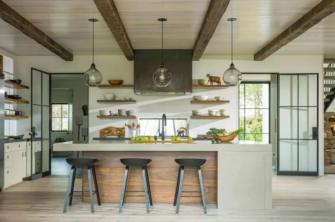 Farmhouse Kitchen by Silver Maple Construction LLC