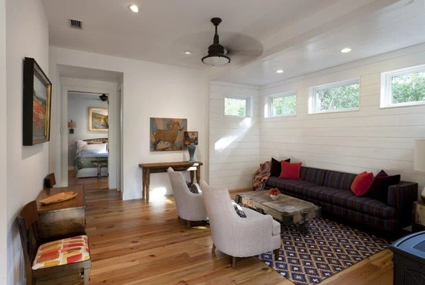 expand the narrow rooms spaces