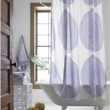 guest picks shower curtains to lust after