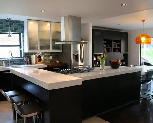 White Kitchen Quartz Counter