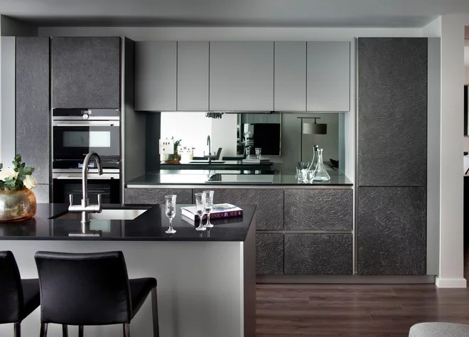 Contemporary Kitchen by Elizabeth Matthews Interiors