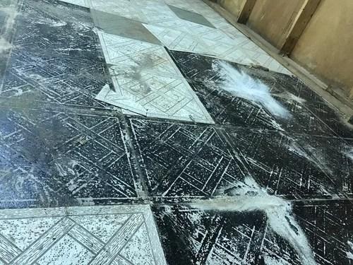 chances my floor tiles contain asbestos