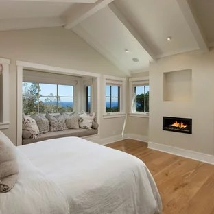 75 Beautiful Bedroom With A Ribbon Fireplace Pictures Ideas January 2021 Houzz