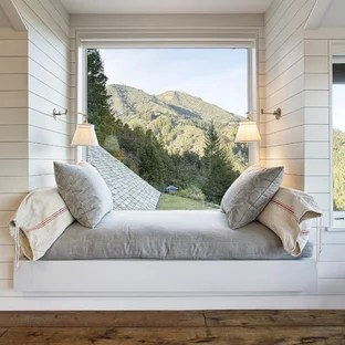 75 Beautiful Small Rustic Bedroom Pictures Ideas January 2021 Houzz