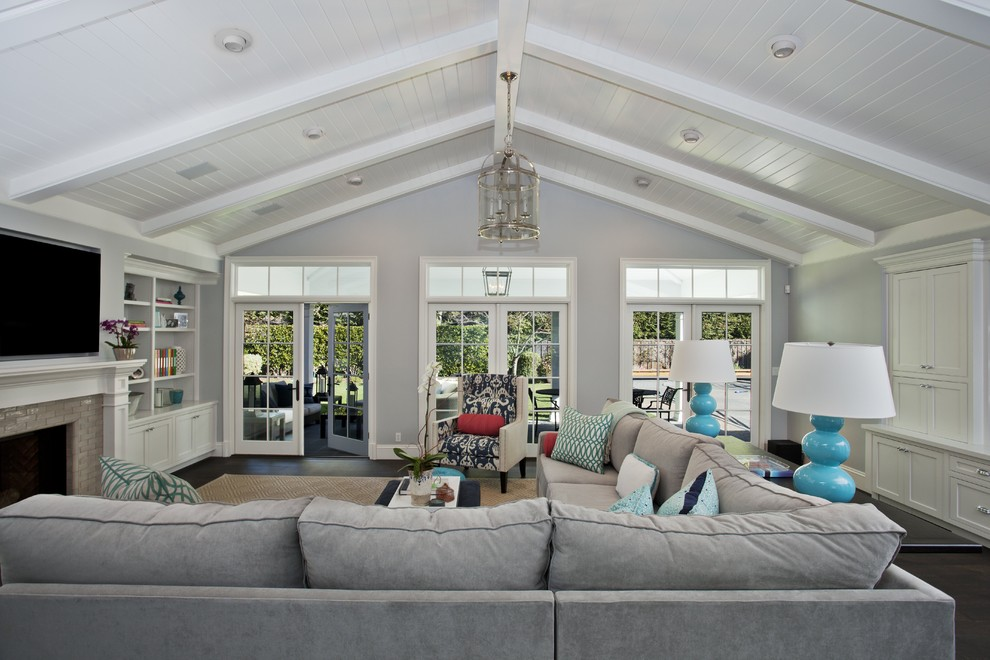 family room vaulted ceiling lighting