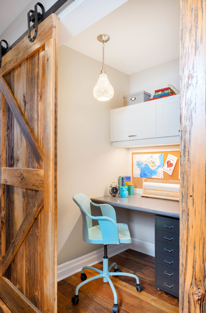Cozy Country Reno transitional-home-office