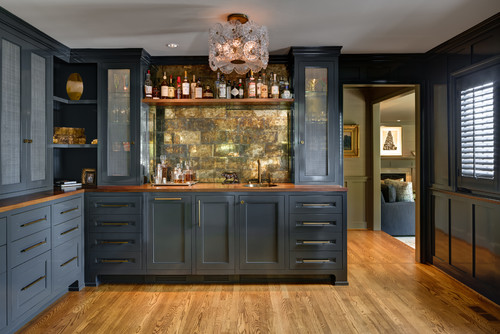 Traditional Home Bar
