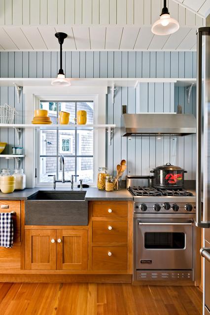Kitchenette beach-style-kitchen