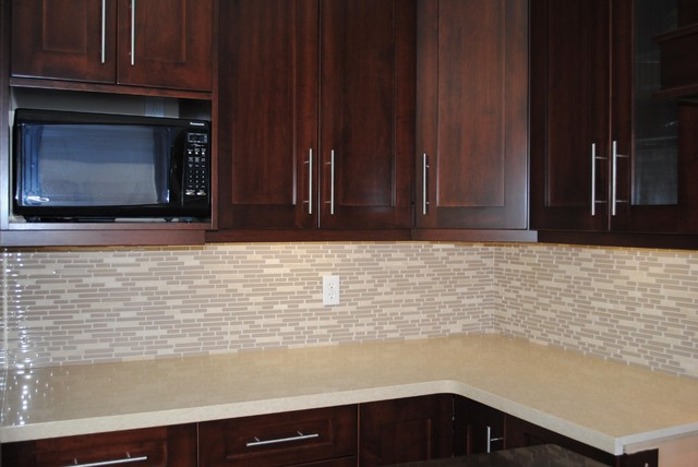Kitchen Countertop And Backsplash Modern